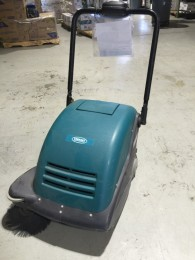 Tennant 3610 Battery Powered Vacuum/Sweeper
